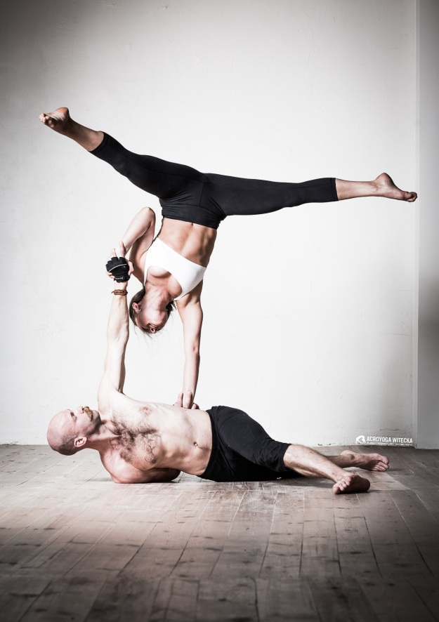 acroyoga with marta witecka and juri kussmaul
